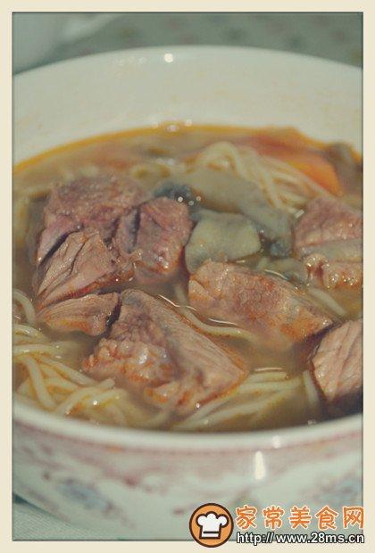 鸡块大全汤的做法_做蘑菇牛肉汤_做做法的家常菜炒牛肉芹菜蘑菇图片