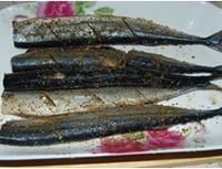 香煎秋刀鱼的做法图解4