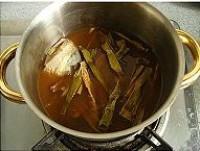 五花肉笋干煲的做法图解4