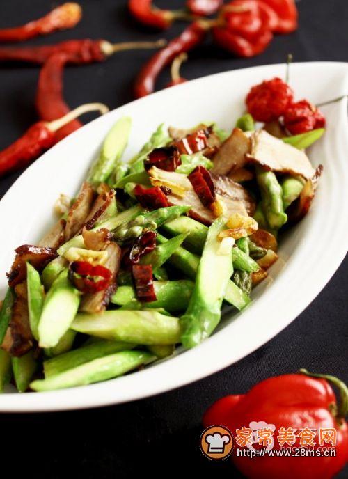 芦笋炒酱肉