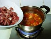 番茄牛肉蛋花汤的做法步骤3