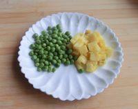 豌豆菠萝鸡丁的做法步骤4