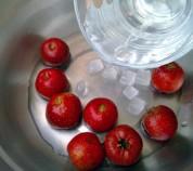 酸甜开胃的山楂藕片的做法步骤2