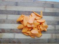 胡萝卜青苹果汁的做法步骤1