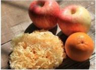 水果银耳羹的做法步骤1