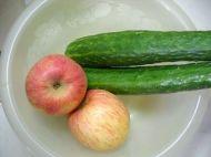 浓浓爱意苹果青瓜汁的做法步骤1