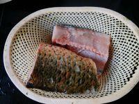 五香炸鱼片的做法步骤1
