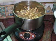 莲子桂圆糖水的做法步骤3