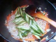 金针菇黄瓜炒鸡蛋的做法步骤12