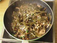 青椒海带肉丝的做法步骤6