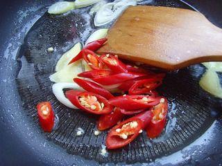 腊肉炒笋尖的做法