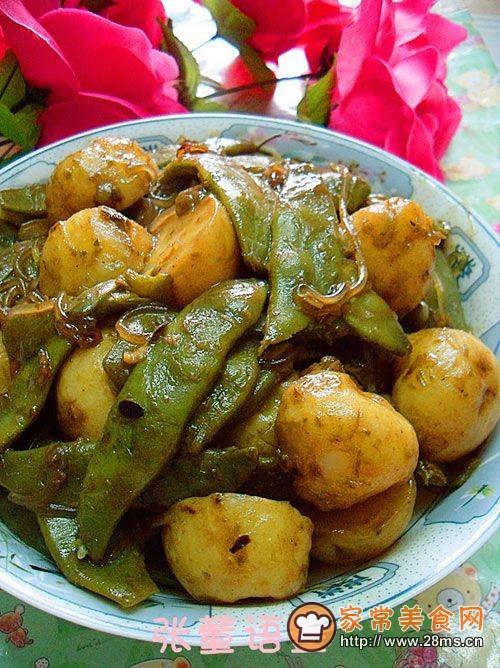 东北夏季餐桌上的常菜――小土豆酱烧豆角的做法