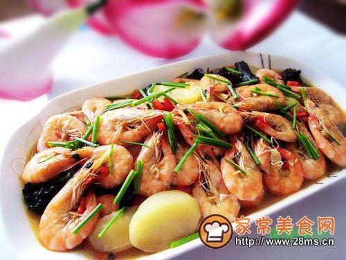 【美食家主题赛--第三季】鲜虾一锅烩的做法