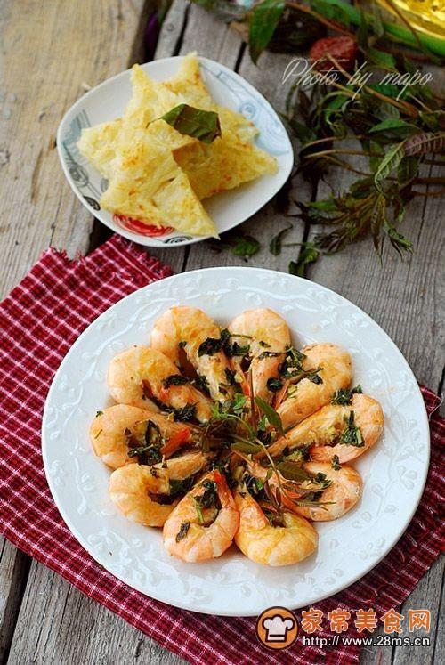 椿头大虾(配土豆丝饼)的做法