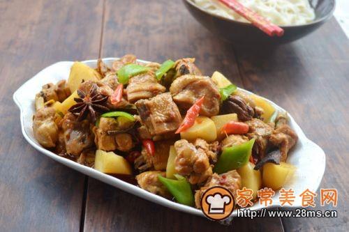 新疆招牌大盘鸡的做法