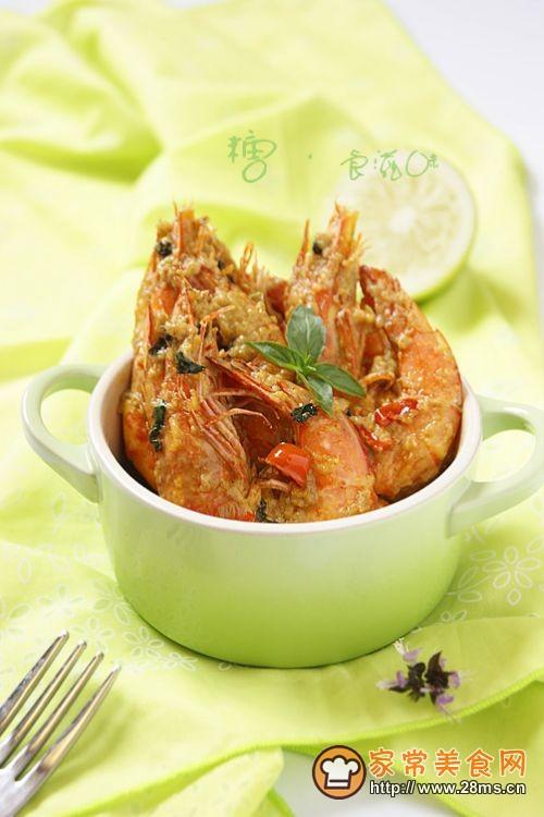 用泰式招牌菜拯救夏日味蕾——泰式咖喱虾的做法