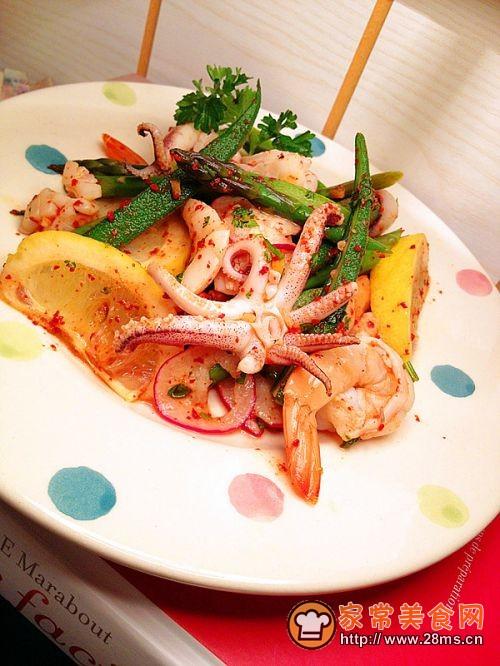 清爽的时蔬派对——泰式海鲜时蔬沙拉的做法