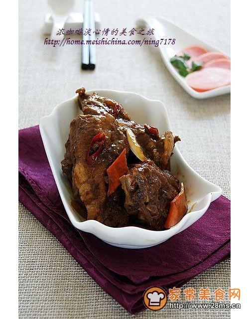 手把手教你做东北餐馆的招牌菜―东北酱焖脊骨的做法