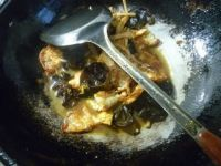 黄花菜黑木耳炒荷叶蛋的做法步骤10