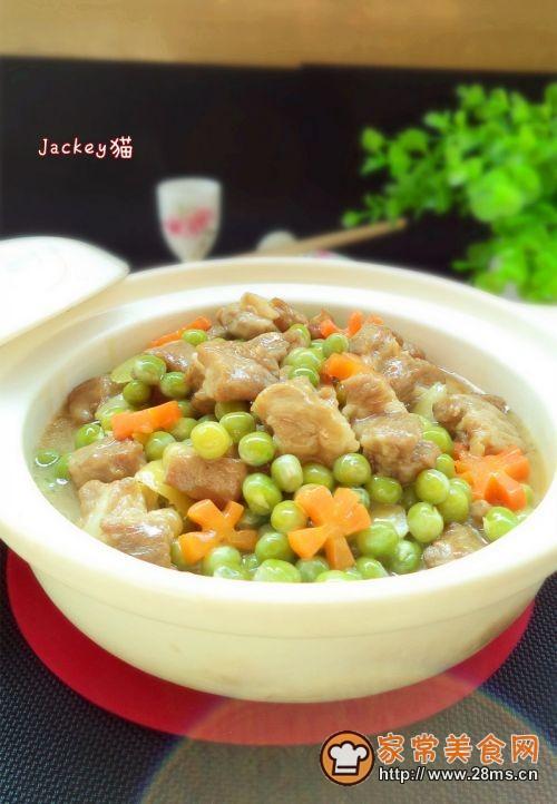 豌豆焖排骨的做法