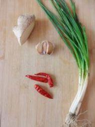 鱼香肉丝的做法步骤2