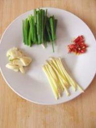 鱼香肉丝的做法步骤3