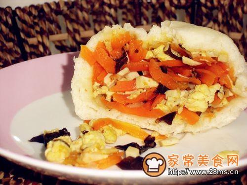 胡萝卜虾皮包的做法