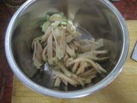 肉末炒菜雹干的做法步骤4