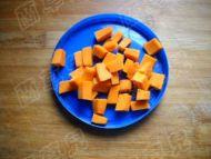红豆南瓜银耳羹的做法步骤2