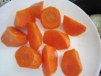 莲藕淮山猪骨汤的做法步骤5