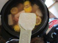 莲藕淮山猪骨汤的做法步骤10