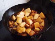 萝卜烧肉的做法步骤7