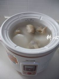 猪脚萝卜汤的做法步骤5