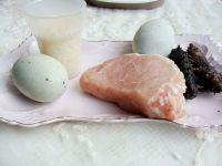 海参皮蛋瘦肉粥的做法步骤1