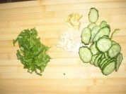 黄瓜熘猪肝的做法步骤1