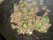 黄瓜熘猪肝的做法步骤6