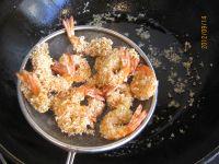 炸虾的做法步骤9
