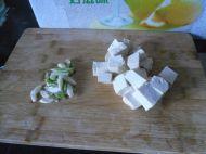 豆腐丝瓜汤的做法步骤2