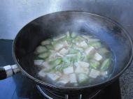 豆腐丝瓜汤的做法步骤7