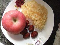 苹果银耳糖水的做法步骤1