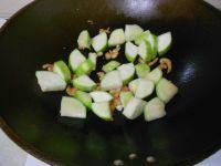 虾仁炒丝瓜的做法步骤4