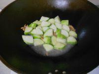 虾仁炒丝瓜的做法步骤5