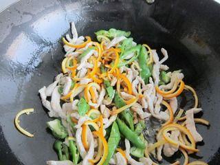 橙子皮炒肉丝的做法步骤:12