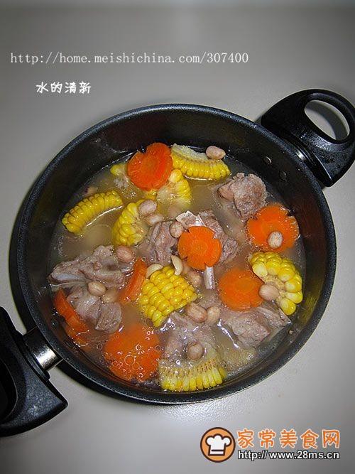 【冬季养生菜】润肺滋阴—胡萝卜花生炖排骨浓汤的做法