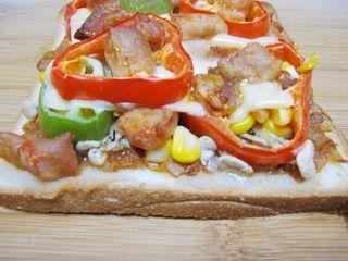 【DIY新奥尔良烤肉披萨】小文子出品~~【鸡肉吐司披萨】的做法步骤:12