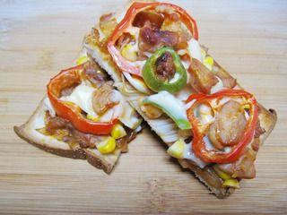 【DIY新奥尔良烤肉披萨】小文子出品~~【鸡肉吐司披萨】的做法步骤:13