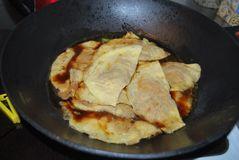 红烧大蛋饺的做法步骤:12