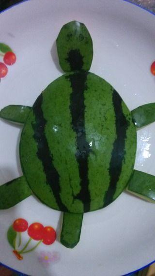 小乌龟爱心水果拼盘的做法