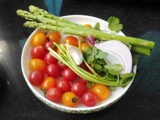 芦笋圣女果暖食沙拉的做法步骤:1