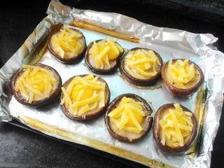 奶酪鹌鹑蛋烤香菇的做法步骤:5